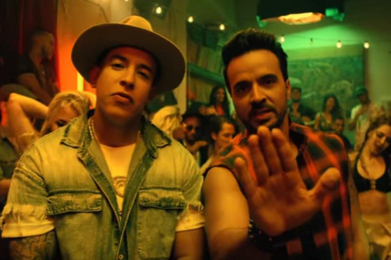 """*ESTATE* Luis Fonsi (Feat. Daddy Yankee) """"Despacito"""" – 2017 –"""