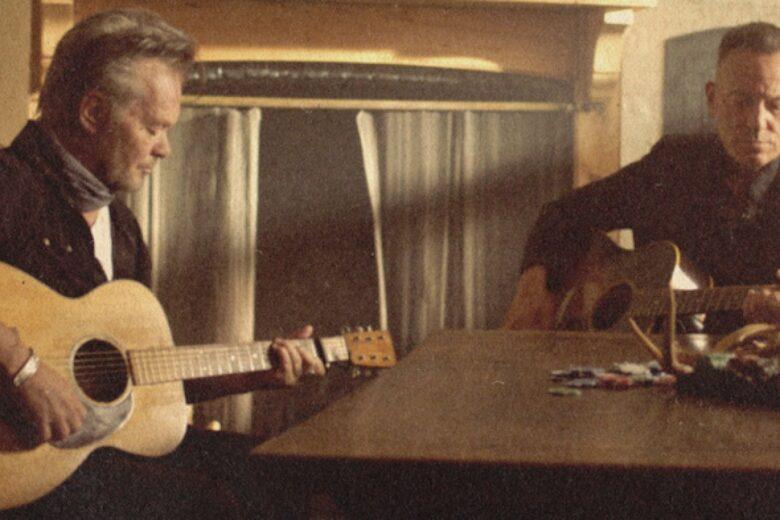 """John Mellencamp & Bruce Springsteen """"Wasted days"""""""